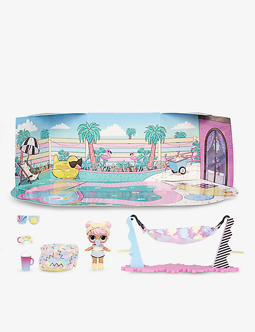 L.O.L. SURPRISE: Furniture Chill Patio and doll playset
