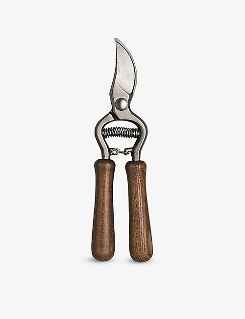 BETAKUT: Logo-embossed metal and wooden pruning shear